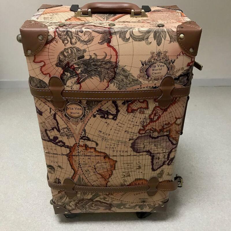 TANOBI スーツケースの正面