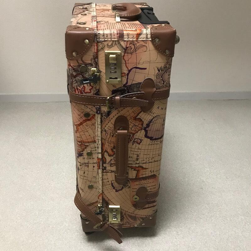 TANOBI スーツケースの横面
