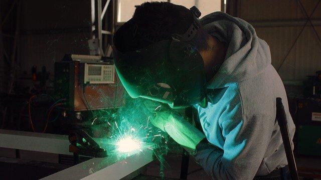 残業が少ない期間工メーカーはあるのか問題